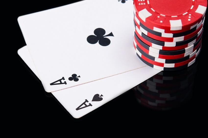 Spela kort på casino